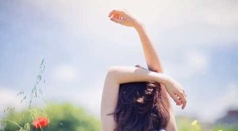 关于生活的坚强而又心酸的句子,阳光简短励志唯美句子